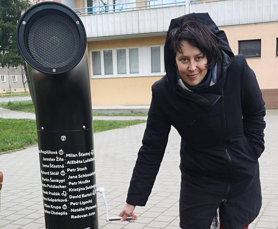 Poeziomat na kličku v Ostravě-Porubě. Listopad 2020.