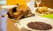 Oslava svátku svatého Martina, který připadá na 11. listopadu, je spojena s upečenou husou a mladým vínem.