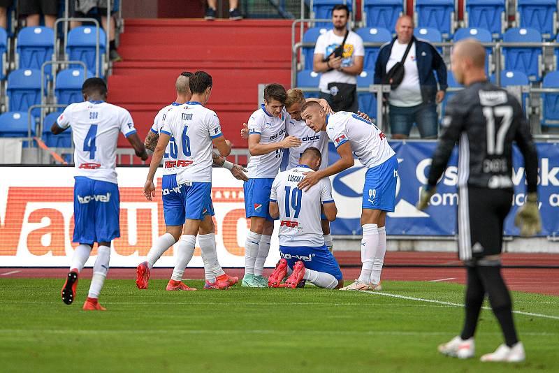 Utkání 2. kola první fotbalové ligy: Baník Ostrava - Fastav Zlín, 1. srpna 2021 v Ostravě. (zleva) Baník se raduje z gólu ((střed) David Lischka z Ostravy).