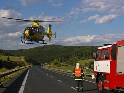 Hasiči pomáhali obětem nehody u Oborné