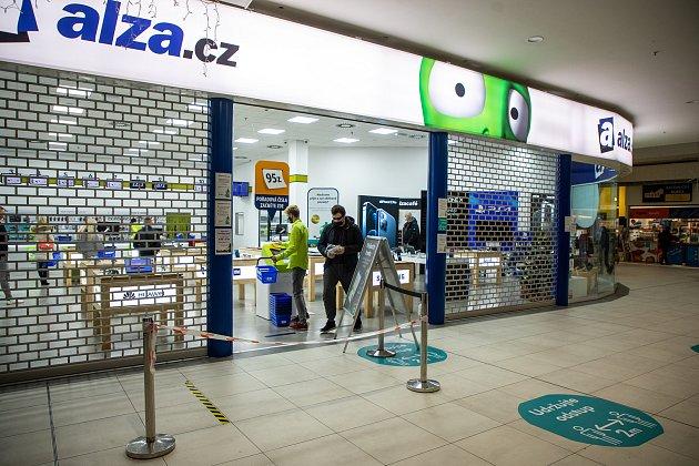 Prodejna Alza, internetový obchod působící vČeské republice a na Slovensku, 28.listopadu vOstravě.