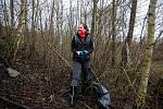 Pojďte s námi uklízet Ostravu. To byla dobrovolnická akce, jejíž cílem bylo uklidit okolí od odpadků a nepořádku kolem Slezskoostravského hradu, 17. dubna 2021 v Ostravě. Náměstkyně primátora Andrea Hoffmannová se také zapojila.