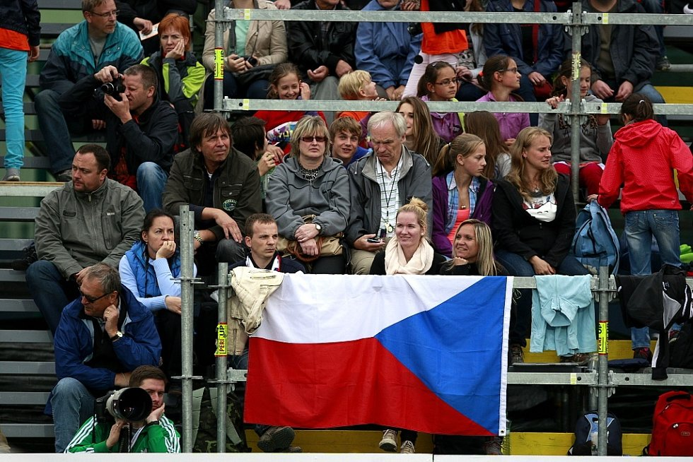 Skvělou podívanou servírovala Zlatá tretra Ostrava i ve svém dvaapadesátém pokračování. Světový rekord sice nepadl žádný, ale přesto se bezmála patnáct tisíc diváků dočkalo řady vynikajících výkonů.