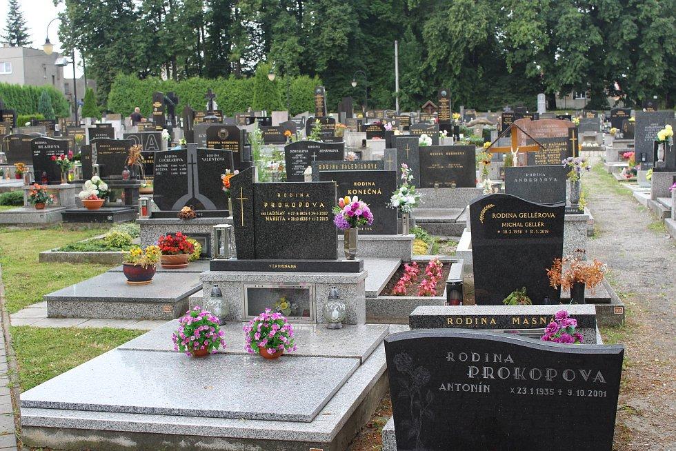 Hřbitov v Třebovicích.