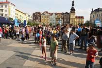 Předvolební kampaň ODS na ostravském Masarykově náměstí.