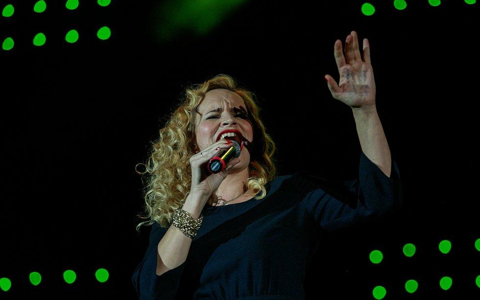 Galakoncert hudebních hvězd. Na fotografii Monika Absolónová