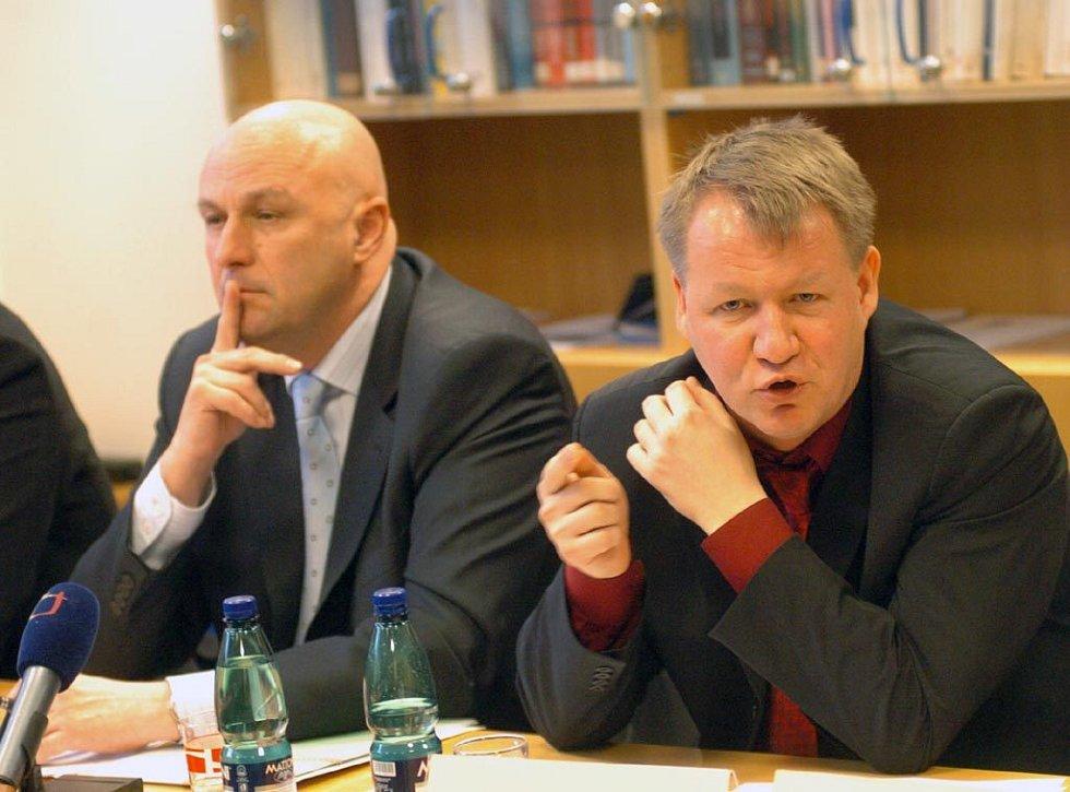 Svatopluk Němeček (vpravo)