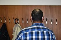 Soud osvobodil muže obžalovaného z napadení těhotné družky. Žena neměla k ráně daleko.
