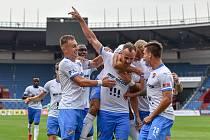 Utkání 2. kola ligy: Baník Ostrava - Fastav Zlín, 1. srpna 2021 v Ostravě. David Lischka (uprostřed) se raduje z branky. Celkem dal dvě a Baník vyhrál 5:1.