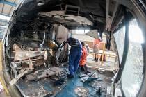 Rozbité pendolino den po nehodě ve Studénce, která se stala ve středu 22. července 2015.