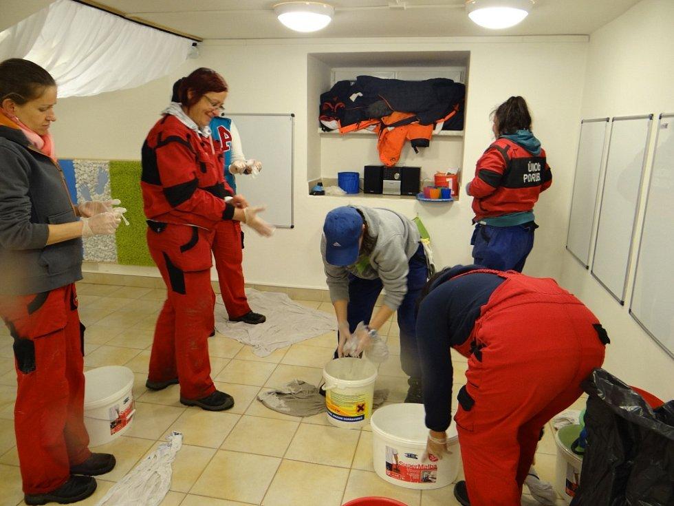Následky zaplavení ve školce v Ostravě-Porubě.