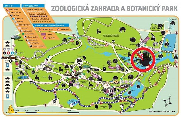 Mapku areálu zoo. Piktogram ukazuje zákaz vstupu, která vyznačuje místo, kam návštěvníci nemohli.