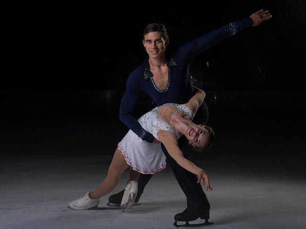 ZLATÍ MEDAILISTÉ z mistrovství světa juniorů 2016 Anna Dušková a Martin Bidař v září vyhráli v Ostravě závod Grand Prix juniorů. Sedmnáctiletou českou sportovní dvojici teď na stejném ledě čeká premiéra na mistrovství Evropy.