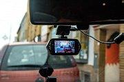 Palubní kamery si pořizuje stále více řidičů.