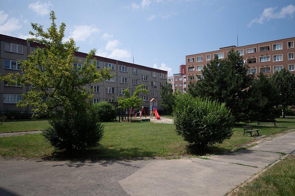 Vnitrobloky mezi ulicemi Aloise Gavlase, Václava Košere a Jaroslava Misky v městské části Dubina, Červenec 2021 v Ostravě.