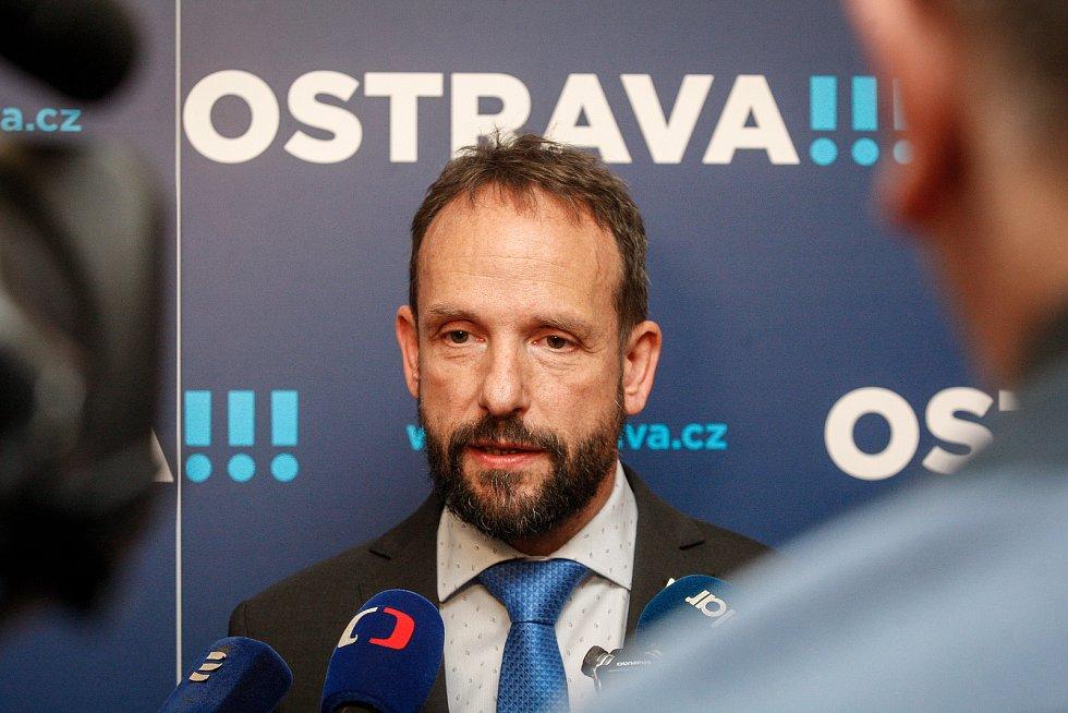 ANO podepsalo koaliční dohodu s lidovci a Piráty. Na fotografii primátor Tomáš Macura.