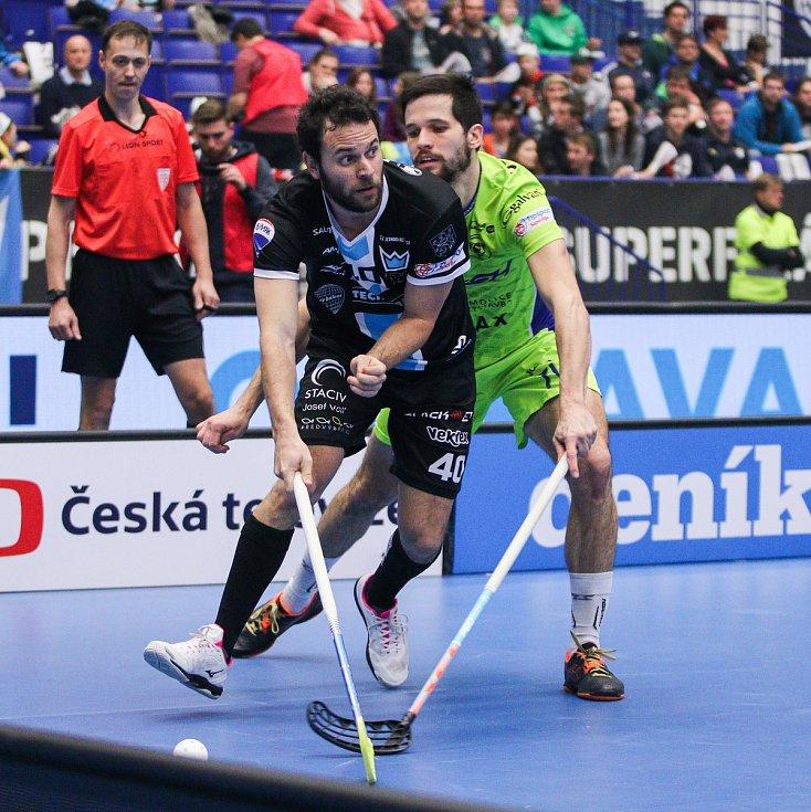 Superfinále play off Tipsport superligy - Technology florbal Mladá Boleslav - 1. SC TEMPISH Vítkovice, 14. dubna 2019 v Ostravě. Na snímku (zleva) Curney Jiří, Jastřembský Jan.