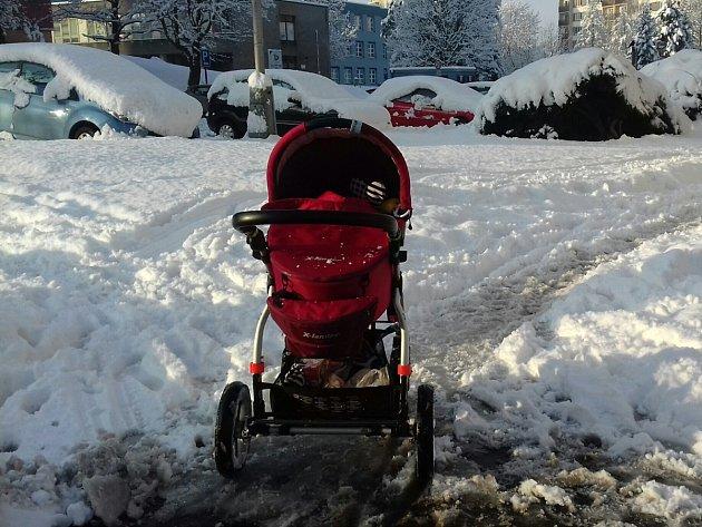 Sněhová nadílka v Ostravě-Výškovicích.