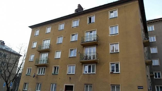 Následky požáru v domě v Ostravě-Porubě.