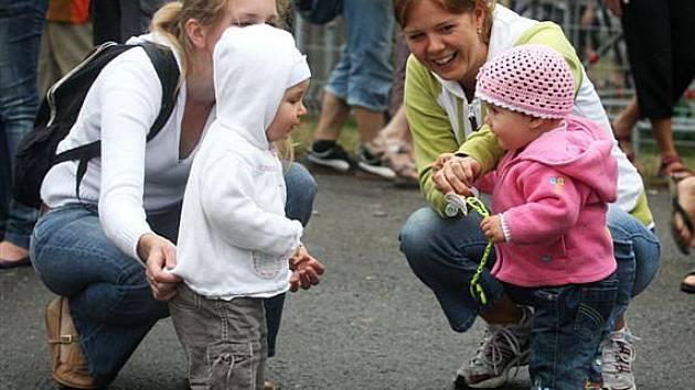 Děti na festivalu Colours of Ostrava.