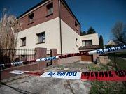 V tomto domě, který ještě v pátek hlídali policisté, byla nalezena šestadvacetiletá žena.