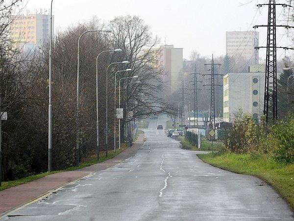 Kratší varianta Severního spoje by ústila do ulice Provozní (na snímku) a měřila by necelé dva kilometry.
