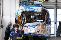 Havarované tramvaje si prohlédli v depu ostravského dopravního podniku odborníci