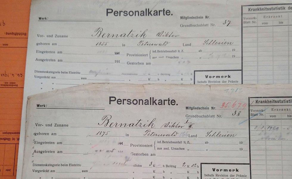 Archiv horníků a dalších pracovníků ostravských šachet je na někdejším Dole Jeremenko ve Vítkovicích, objevilo se v něm i jméno Jaroslava Cimrmana, který fáral na Dole Hlubina, nyní jsou osobní karty zadávány do počítačového systému.