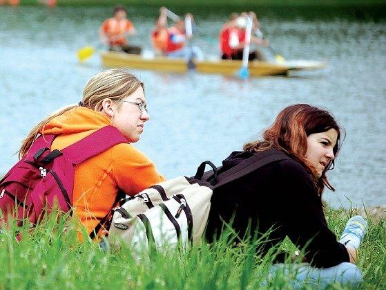 Stříbrné jezero v Opavě je oblíbeným rekreačním místem.