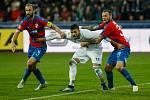 FC Baník Ostrava - FC Viktoria Plzeň, zleva Roman Hubník, Patrizio Stronati, Jakub Řezníček