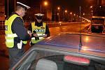 Razie ostravských policistů v ulicích nočního města