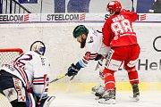 Čtvrtfinále play off hokejové extraligy - 3. zápas: HC Vítkovice Ridera - HC Oceláři Třinec, 24. března 2019 v Ostravě. Na snímku (zleva) brankář Vítkovic Patrik Bartošák, Jan Výtisk, Erik Hrňa.