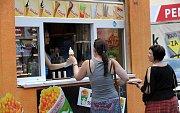 Příchutí zmrzlin rok od roku přibývá. Ilustrační foto z centra Ostravy.