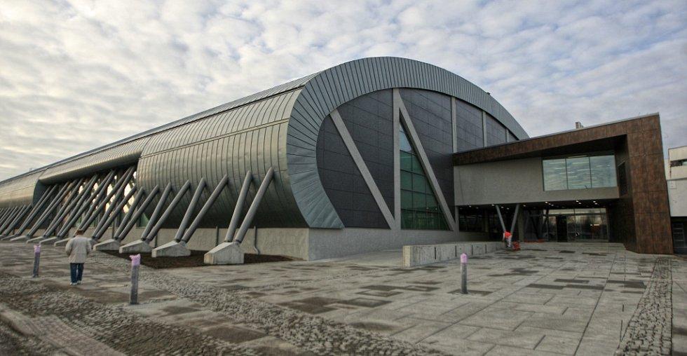 Ostravská atletická hala. Její stavba stála 337 milionů korun.