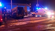 Dodávka v Ostravě-Porubě narazila do tramvajového sloupu