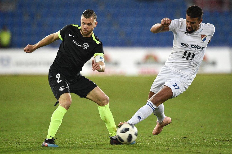 Utkání 21. kola první fotbalové ligy: FC Baník Ostrava - Slovan Liberec, 16. února 2019 v Ostravě. Na snímku (zleva) Radim Breite a Milan Baroš.