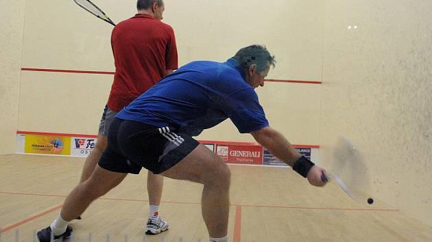 Squash je nejen sport zábavný, ale hlavně plný dřiny.