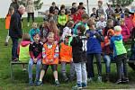 PETR PILÁT, freestyle motokrosař, nadchl děti z Kunčic pod Ondřejníkem.