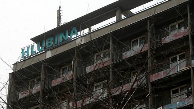 HOTELOVÉ DOMY. Levné ubytování pro dělníky. S takovou myšlenkou byly hotelové domy stavěny a tak se provozují dodnes.