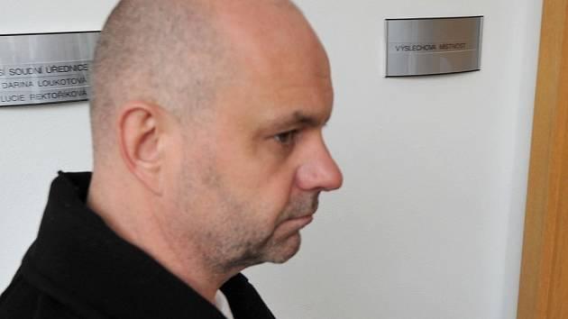 Podnikatel a lobbista Martin Dědic u ostravského soudu.
