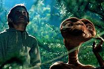 Snímek z filmu E.T. – Mimozemšťan
