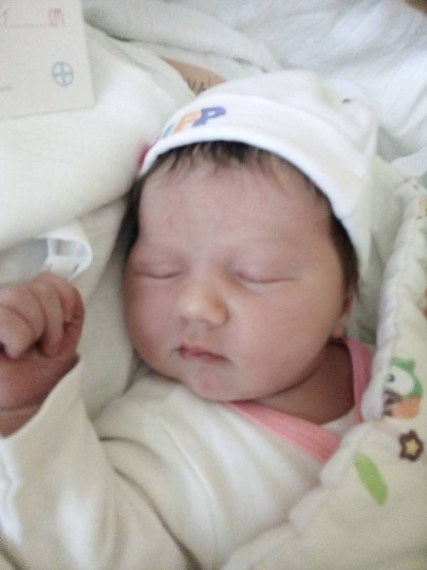 Karolína Mylková, Město Albrechtice, narozena 6. září 2021 v Krnově, váha 4120 g, míra 51 cm. Foto: Pavla Hrabovská