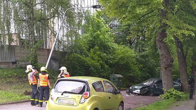 Sobotní nehoda v ulici Kmetská ve Slezské Ostravě.