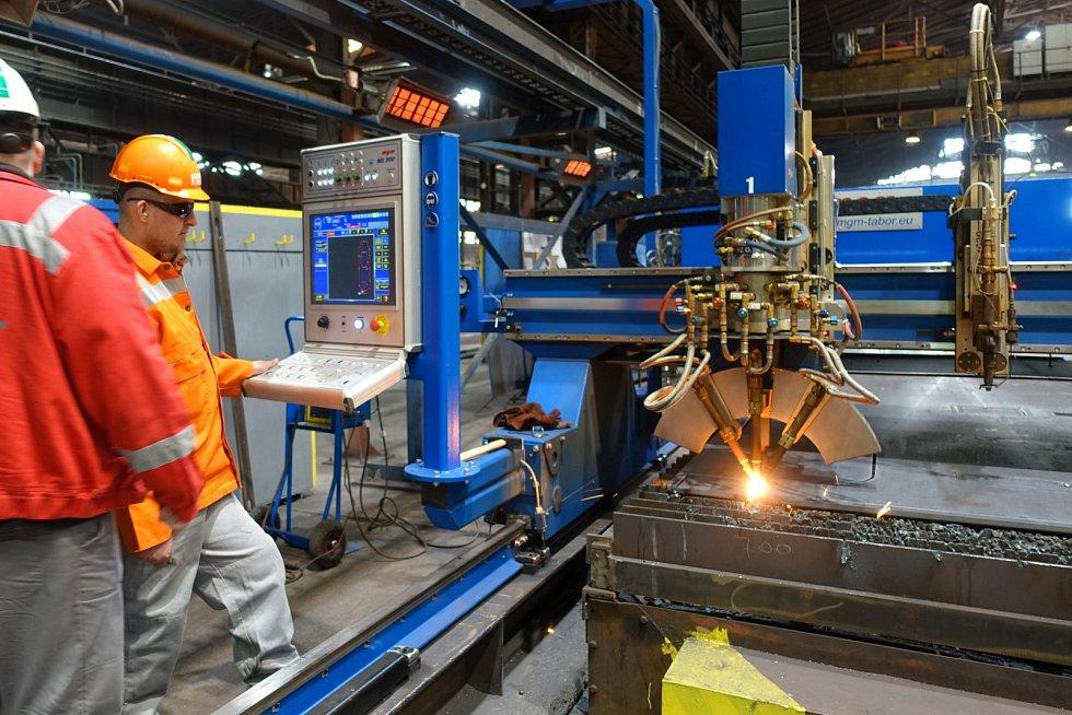 Pálící stroj firmy VÍTKOVICE STEEL