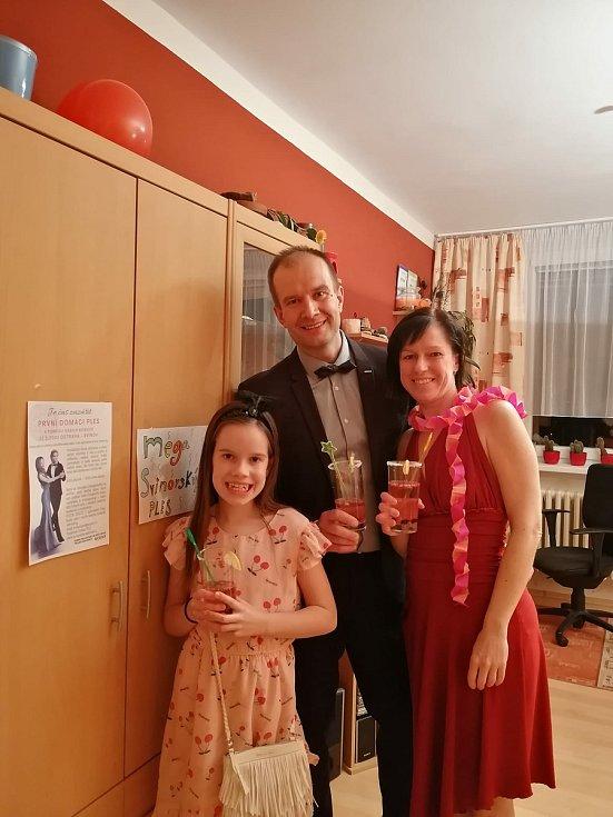 Petra Hudečková s rodinou.