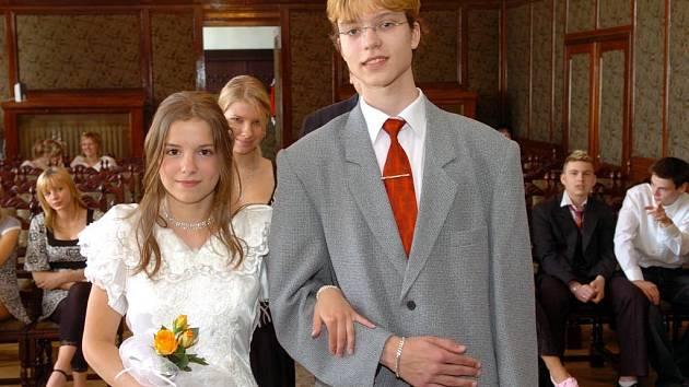 Deváťáci ze ZŠ Mitušova v Ostravě-Hrabůvce si vyzkoušeli v rámci rodinné výchovy svatbu nanečisto