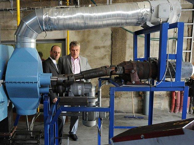 Pyrolýzní jednotka umí z odpadu vyrábět energii, její účinky se prověřují v technologickém centru.