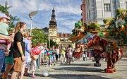 Festival v ulicích – průvod draků centrem Ostravy.
