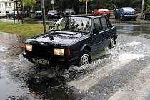 Na některých místech Ostravy nestačily kanály pojmout všechnu dešťovou vodu
