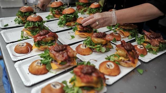 Festival. Lidé, kteří zavítají na Burger festival, měli z čeho vybírat.